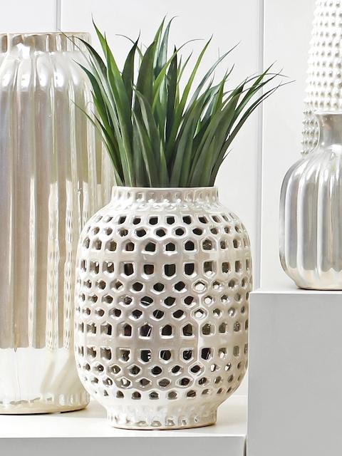 Pure Home and Living Cream-Coloured Decorative Vase