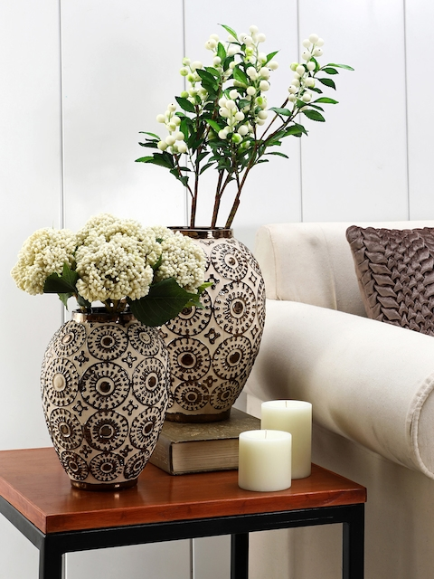 Pure Home and Living Off-White & Bronze-Toned Textured Decorative Vase