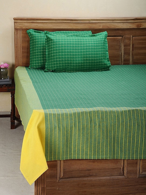 NEUDIS Green Hand Woven Cotton Double Bed Cover with 2 Pillow Covers