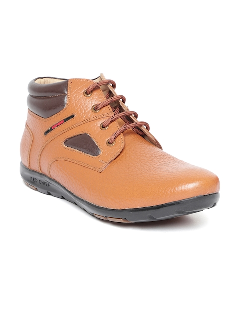 Red Chief Men Tan Brown Textured Leather Chukka Boots