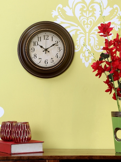 Athome by Nilkamal Brown Round Textured Analogue Wall Clock