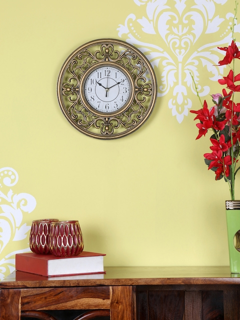 Athome by Nilkamal Gold-Toned Round Solid Analogue Wall Clock