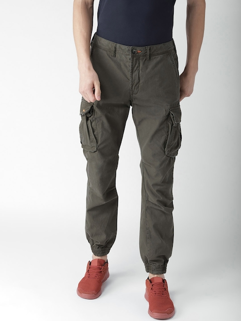 Superdry Men Olive Green Tapered Fit Solid Cargos