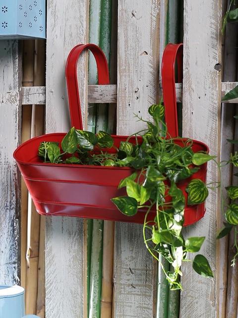 green girgit Red Metal Oval Railing Planter