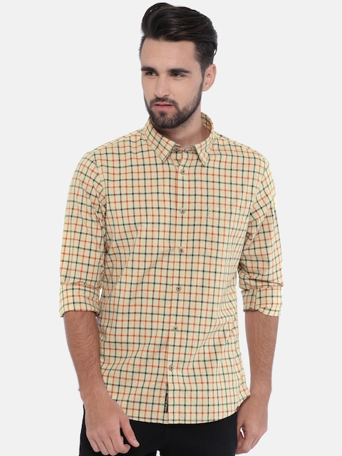 Indian Terrain Men Beige & Red Slim Fit Checked Casual Shirt
