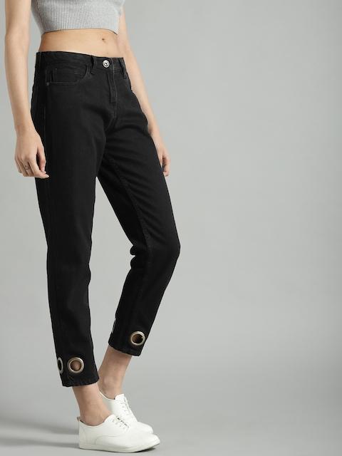 Roadster Women Black Boyfriend Fit Mid-Rise Clean Look Cropped Jeans