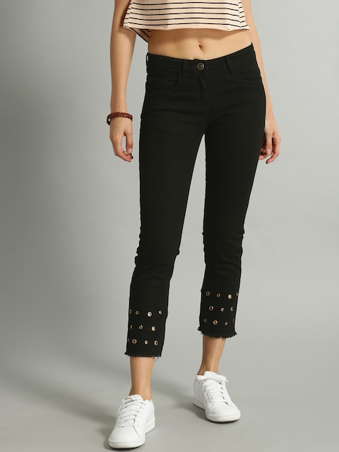 Roadster Women Black Slim Fit Mid-Rise Clean Look Stretchable Cropped Jeans