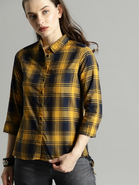 Roadster Women Beige & Navy Blue Regular Fit Checked Casual Shirt
