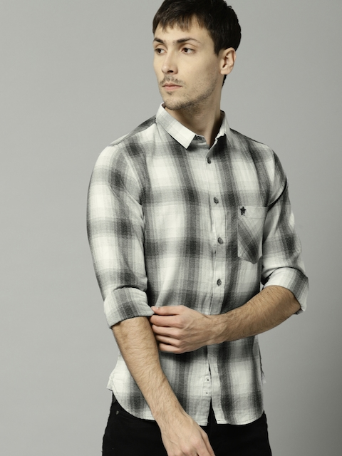 French Connection Men Black & Off-White Slim Fit Checked Casual Shirt
