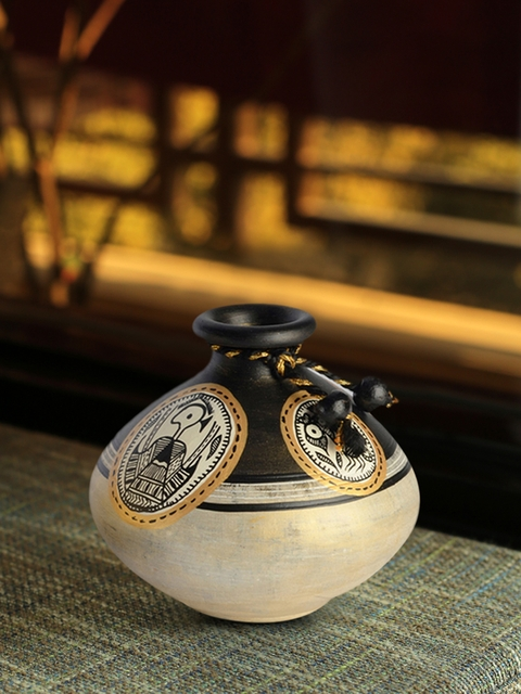 ExclusiveLane Gold & Brown Madhubani Handapinted Terracotta Vase