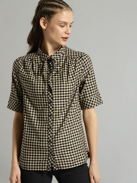 Roadster Women Beige & Black Regular Fit Checked Casual Shirt