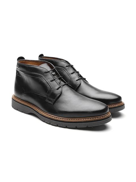Clarks Men Black Solid Mid-Top Flat Boots
