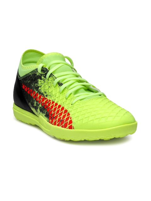 Puma Men Fluorescent Green Football Shoes