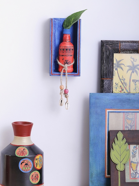 VarEesha Blue & Red Warli Money Plant Bottle Holder Wall Mount