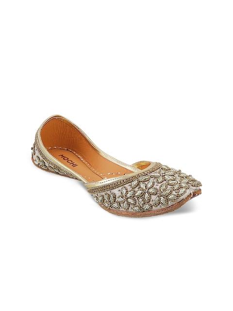 Mochi Women Gold-Toned Woven Design Leather Mojaris