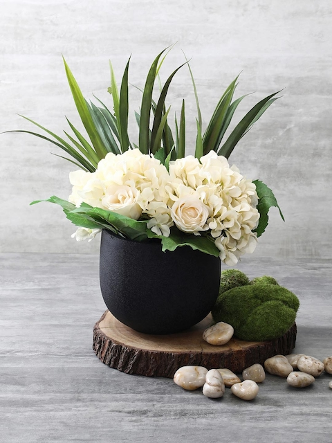 Pure Home and Living Black Solid Round Classic Planter