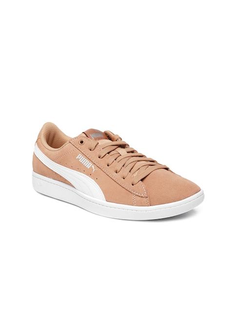 Puma Women Peach Colored Vikky Basketball Shoes