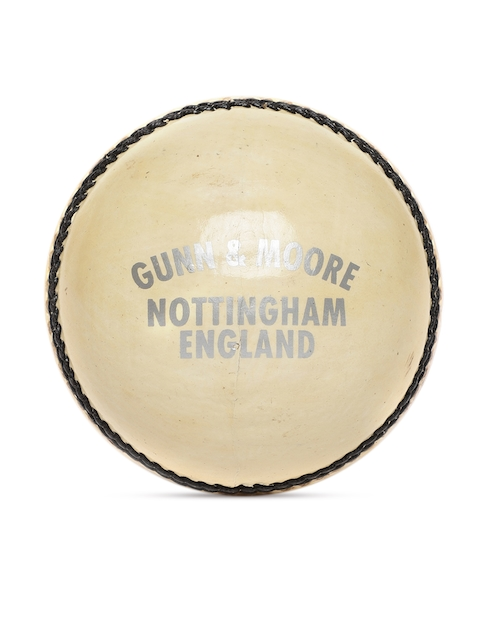 GM Unisex Off White County Star Leather Cricket Ball