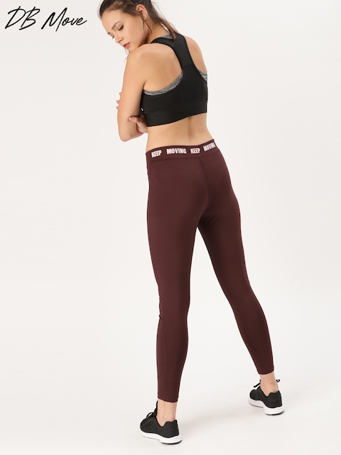DressBerry Women Burgundy Solid Tights