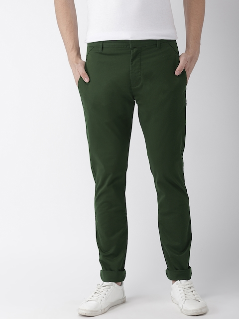 Levis Men Olive Green Tapered Fit Solid Chinos