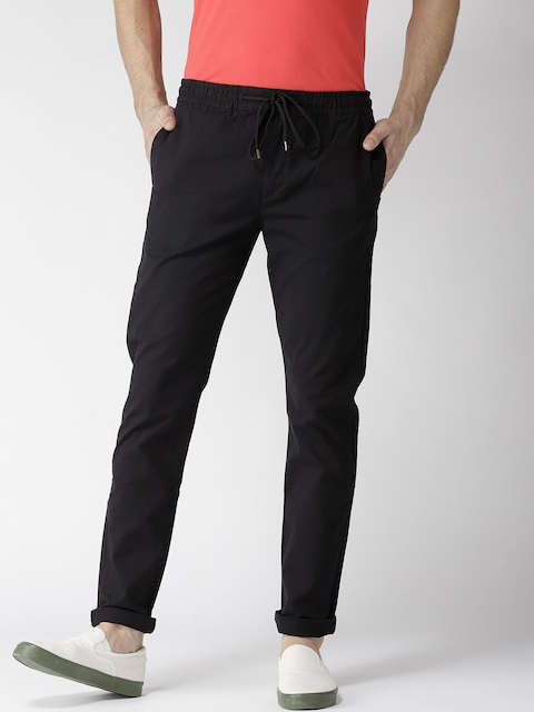 Levis Men Black Tapered Fit Solid Trousers