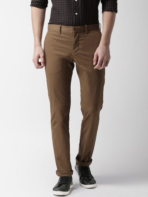Levis Men Brown Slim Fit Solid Chinos 511