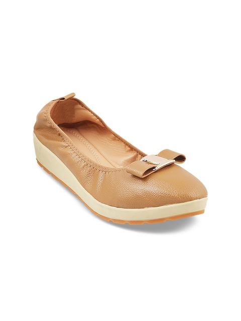 Mochi Women Tan Loafers