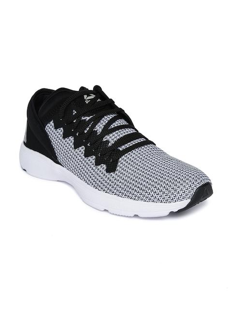 Reebok Men Black & White Astroride LP Walking Shoes