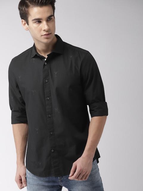 b4840380c412fd 45%off Tommy Hilfiger Men Black Custom Regular Fit Printed Casual Shirt