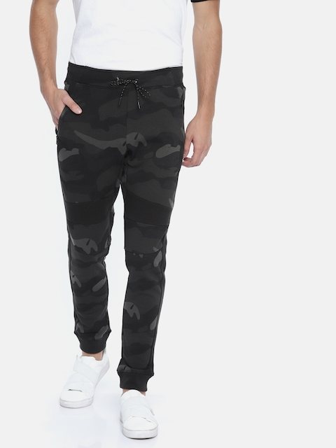 Jack & Jones Men Black & Charcoal Grey Camouflage Print Slim Fit Joggers