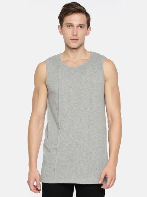SKULT by Shahid Kapoor Men Grey Melange Solid Round Neck T-shirt