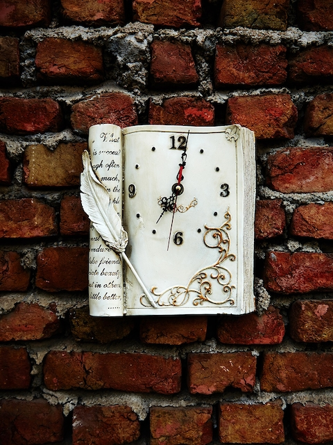 OddCroft White Handcrafted Rectangle Textured 27 cm x 25 cm Analogue Wall Clock