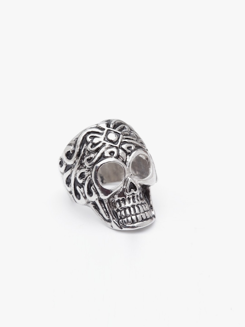 JEWEL JUNCTION Men Silver-Toned Skull-Shaped Ring