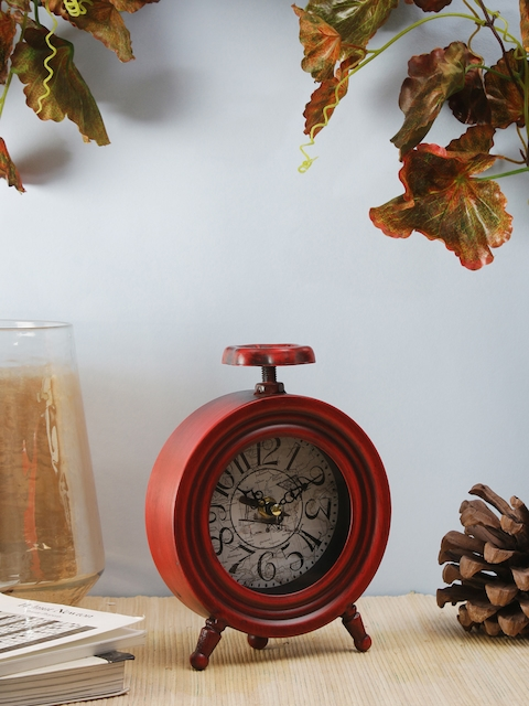 OddCroft Red Round Solid 15.24 cm x 18.2 cm Analogue Table Clock