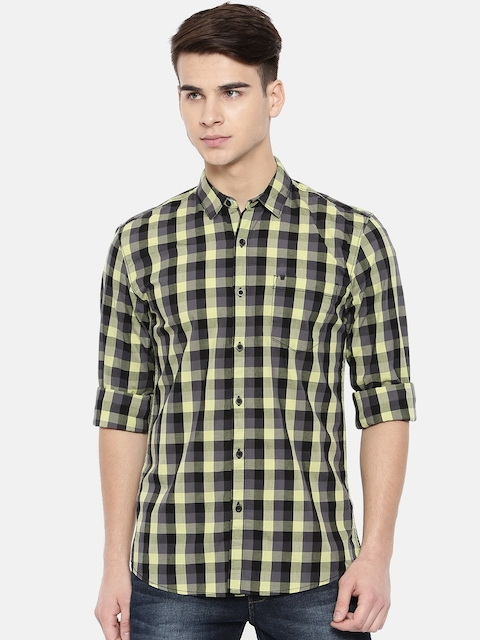 Wrangler Men Black & Green Regular Fit Checked Casual Shirt