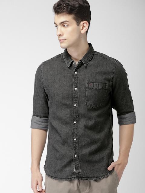 Tommy Hilfiger Men Black Regular Fit Faded Casual Shirt