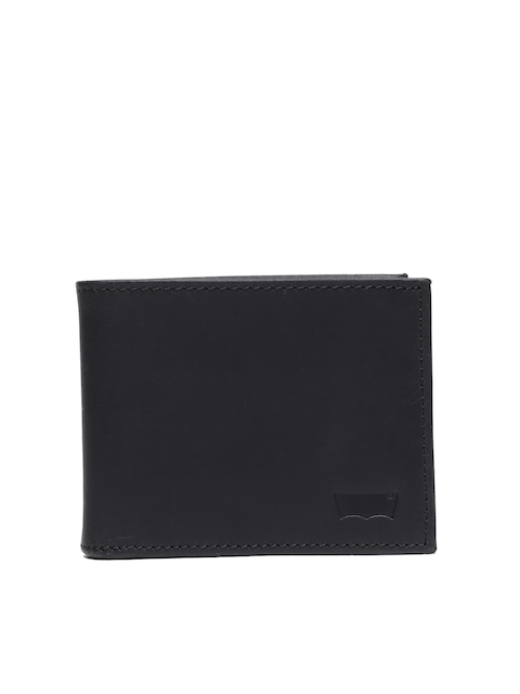 Levis Men Black Solid Two Fold Oiled Batwing Wallet