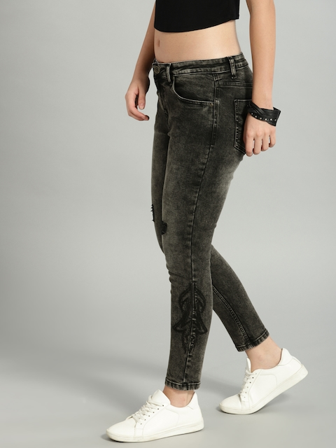 Roadster Women Charcoal Grey Skinny Fit Mid-Rise Mildly Distressed Stretchable Jeans