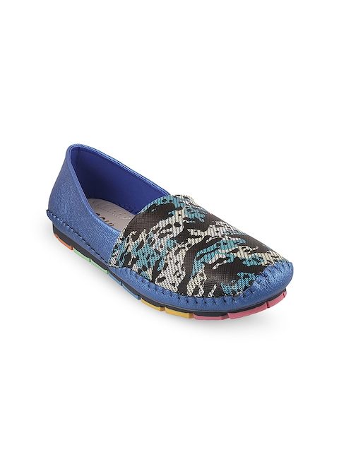 Mochi Women Navy Blue Printed Loafers