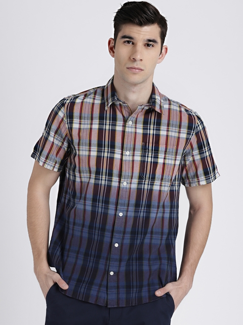 GAP Men Navy & Red Short Sleeve Dip-Dye Plaid Shirt