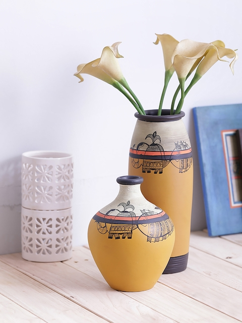 Var Eesha Set of Two Mustard and Off White Terracotta Vases