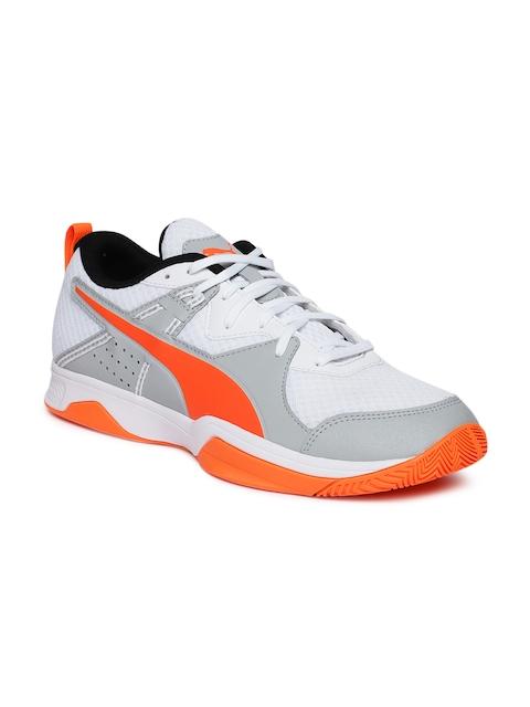 Puma Men White & Orange Stoker.18 Football Shoes