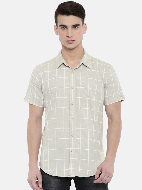 e8acbb72ff8 50%off Pepe Jeans Men Beige   White Slim Fit Checked Casual Shirt