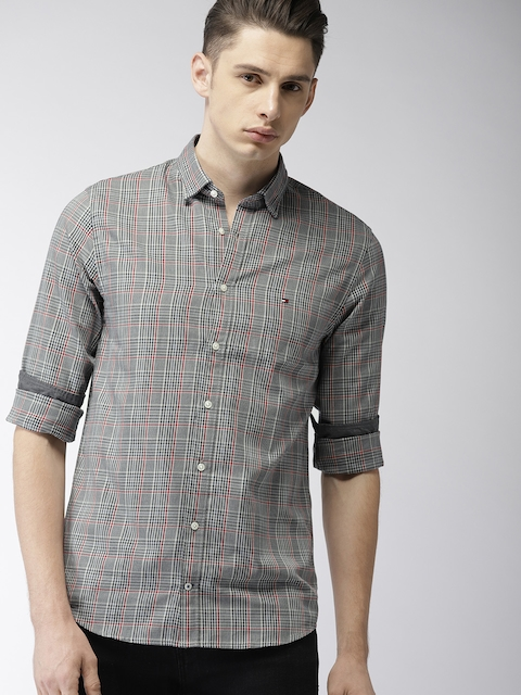 Tommy Hilfiger Men Black & Grey Regular Fit Checked Casual Shirt