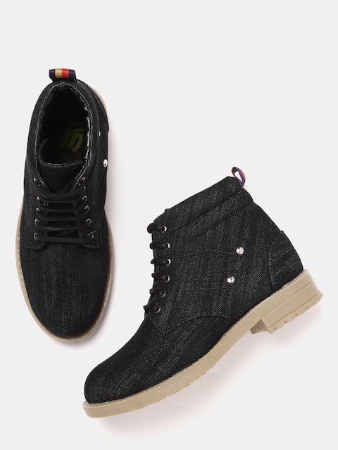 YK Boys Black Solid Mid-Top Flat Boots