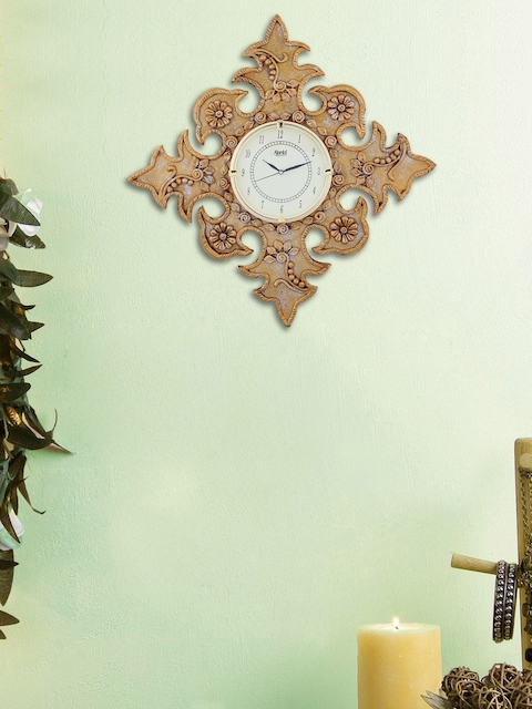 999Store Gold-Coloured Handcrafted Floral Textured Analogue Wall Clock