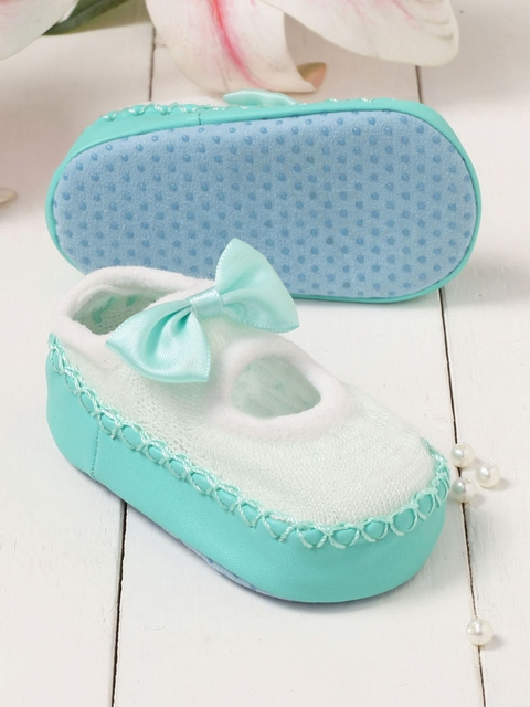 Walktrendy Kids Green & White Slip-On Booties