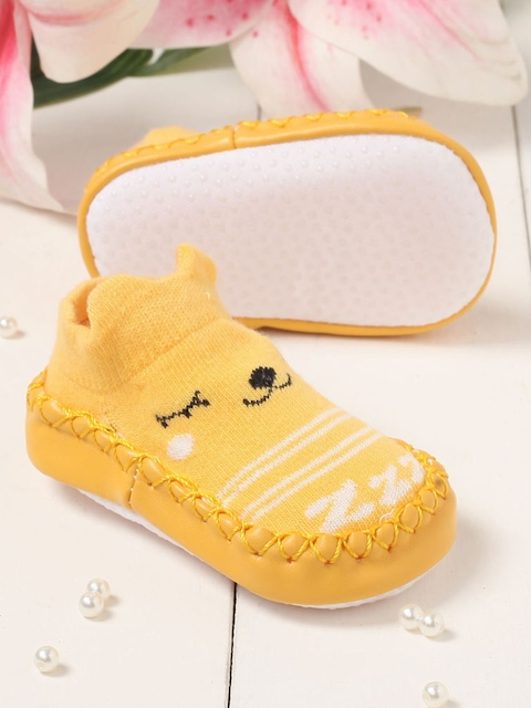 Walktrendy Unisex Kids Yellow Slip-On Booties