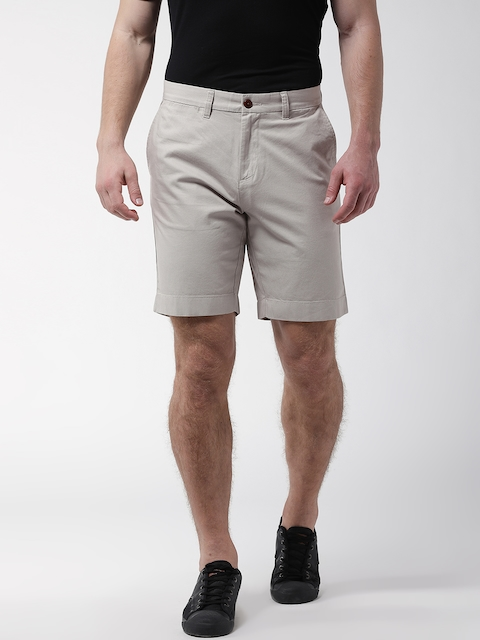 Tommy Hilfiger Men Beige Solid Regular Fit Shorts