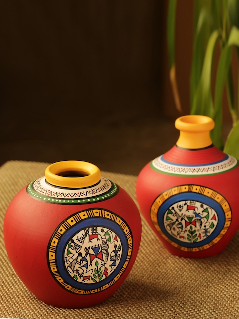 ExclusiveLane Set of 2 Hand-painted Vases